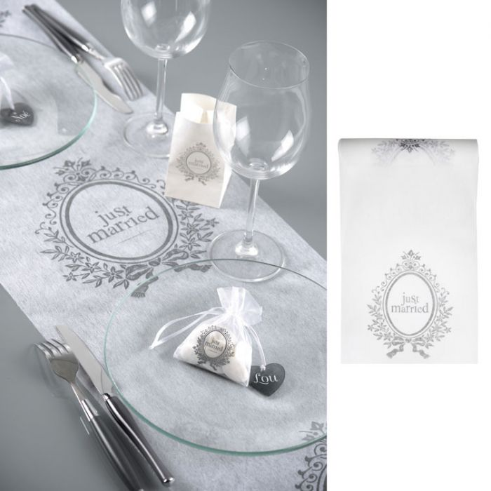 Chemin de table th me just married accessoire d coration de table for Accessoire deco table