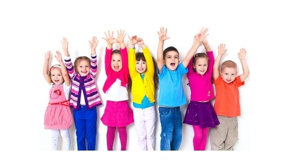 Comment préparer votre enfant à assister à une fête d'anniversai